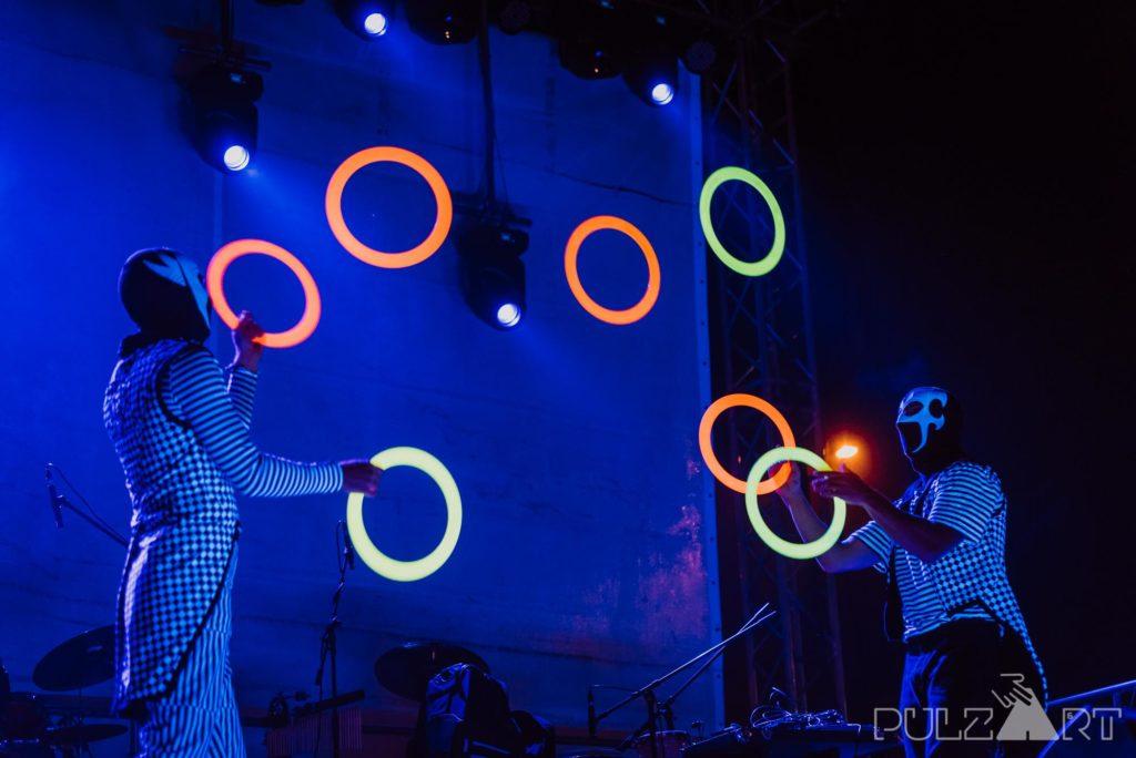 LED zsonglőr show